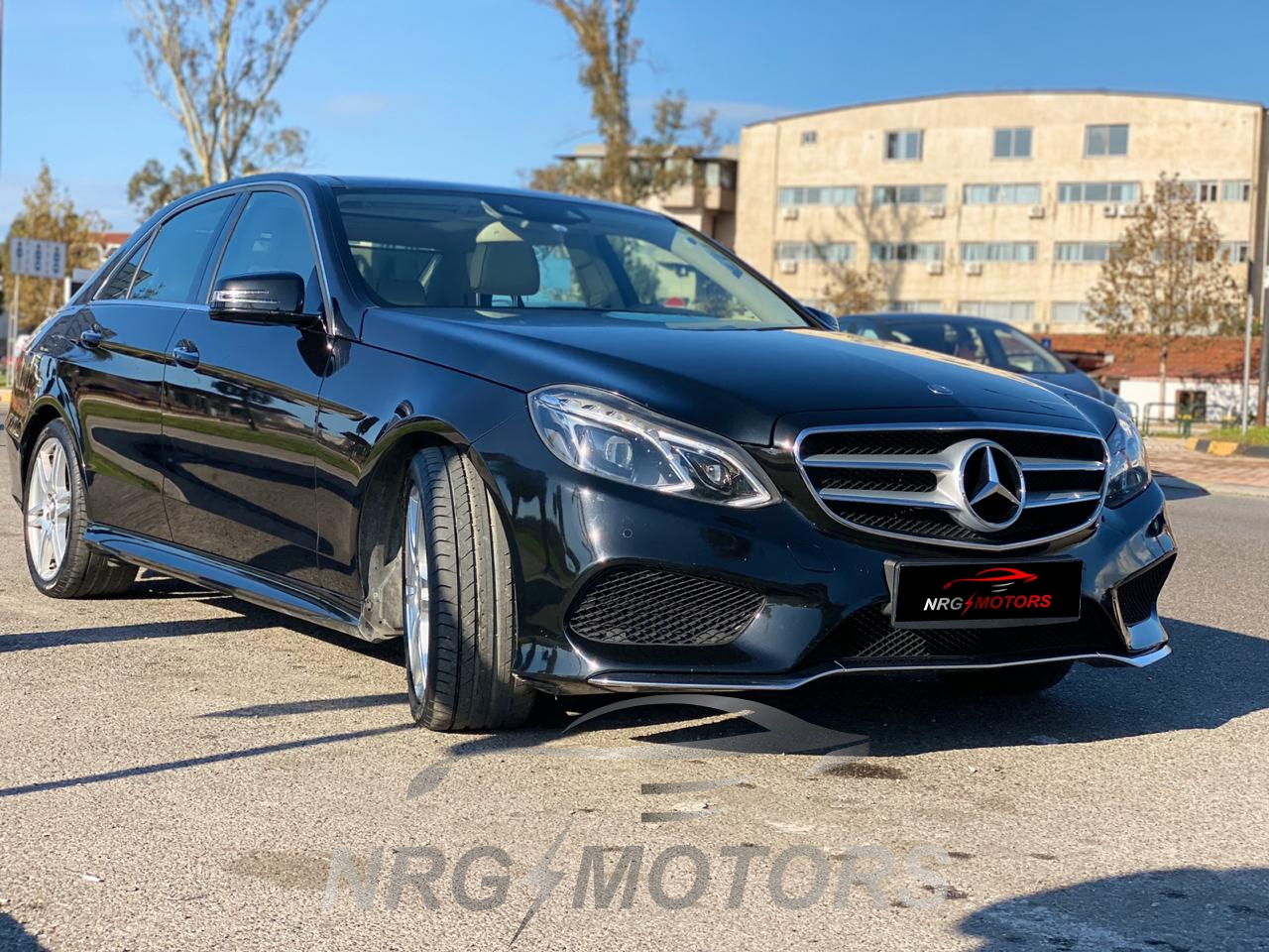 Mercedes Benz E Class 300 Bluetec for Sale, Diesel, Year 2013, Automatic Transmission. Luxury and comfortable car up to 5 persons - NRG MOTORS
