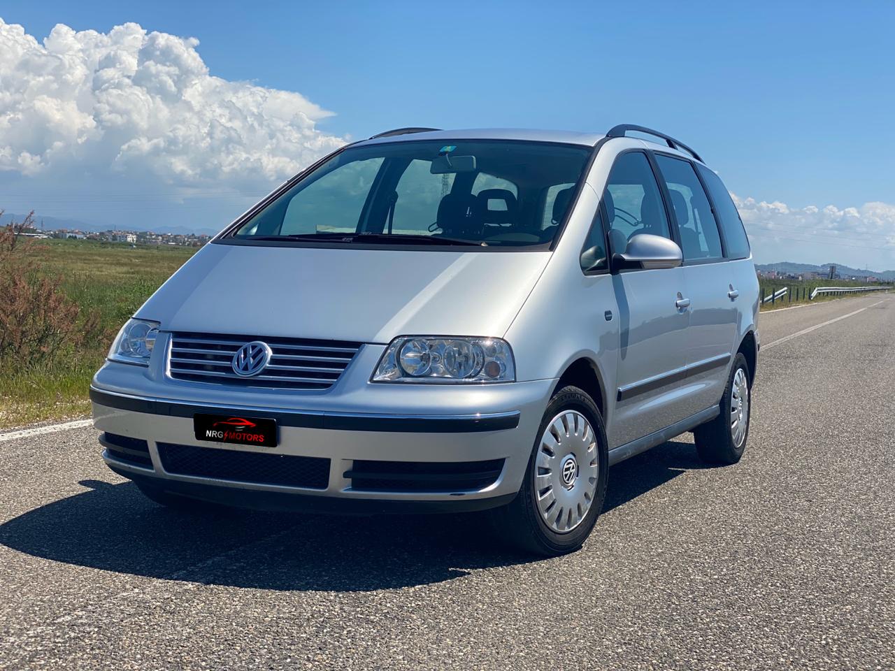 Volkswagen Sharan ne Shitje Durres - Makina eshte ne gjendje perfekte. E sapo ardhur nga Zvicra me doganë të paguar. Mund të bëhet me gas 100% - NRG Motors
